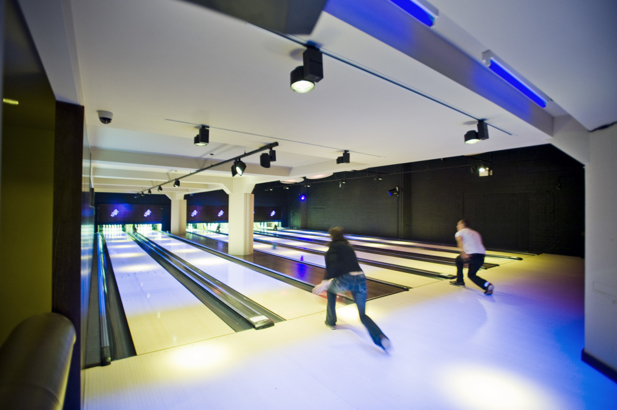 All Star Lanes Boutique Bowling, Brick Lane, Londra. Architetto: Dan Evans, Londra.