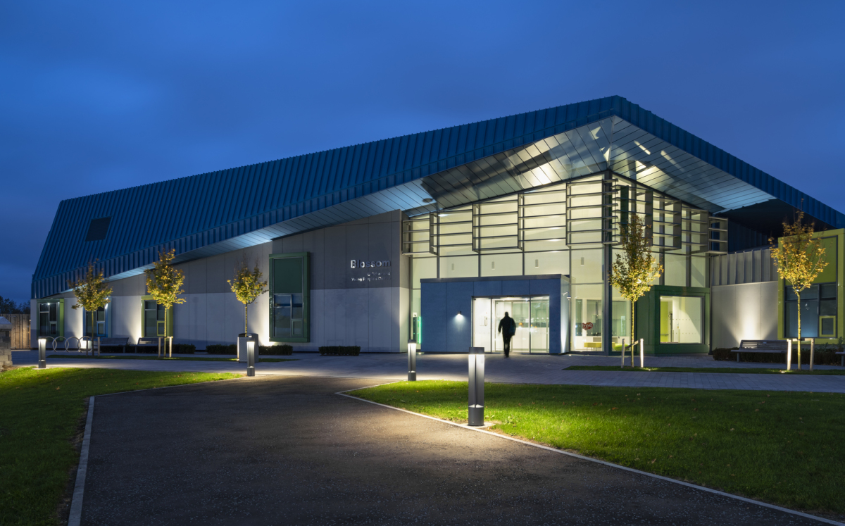 Craigavon Paediatric Centre, Belfast. Architektur: Todd Architects, Belfast. Lichtplanung: Arup Lighting, London. Fotografie: Gavriil Papadiotis, London.