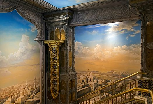 The crux of the design is the dynamic combination of light colours, using warm white and neutral white for aspects such as the vertical murals up the staircase: The lower section of the painting, showing an oriental city in sand and earth tones, is illuminated with Optec (3000K), the blue sky in the upper section is enhanced with Optec (4000K).