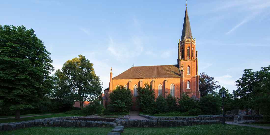 Lucente Sittensen projects contemplation st and bartholomew church harsefeld