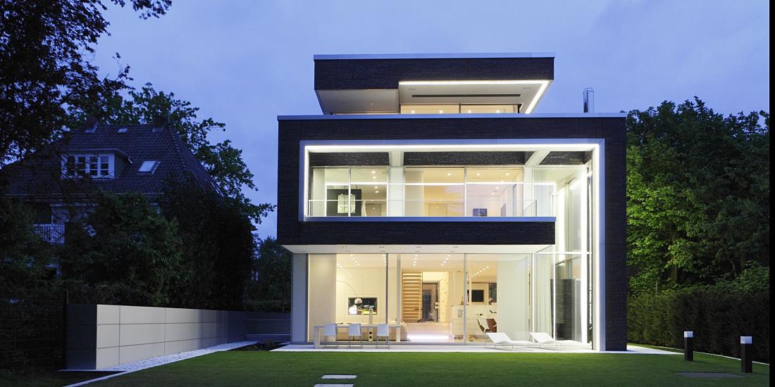 erco discovering light living villa linari. Black Bedroom Furniture Sets. Home Design Ideas