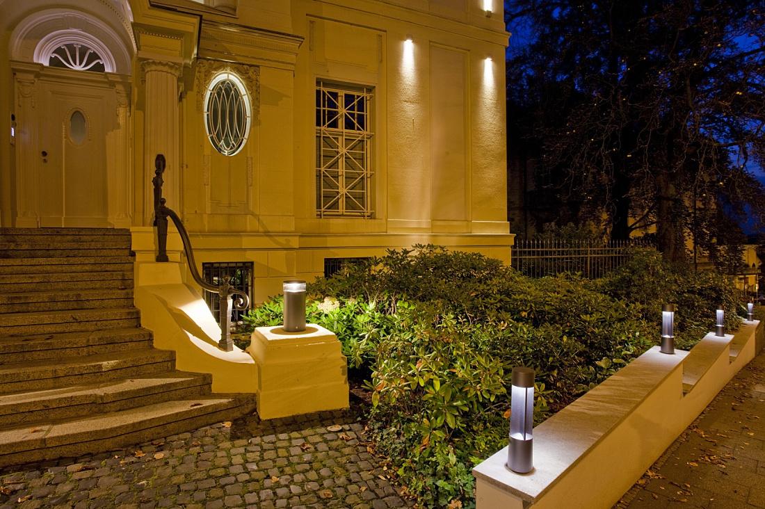 Erco scoprire la luce work wiesbadener volksbank for Apparecchi di illuminazione per bungalow