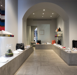 D.A.T.E Flapgshipstore, Mailand